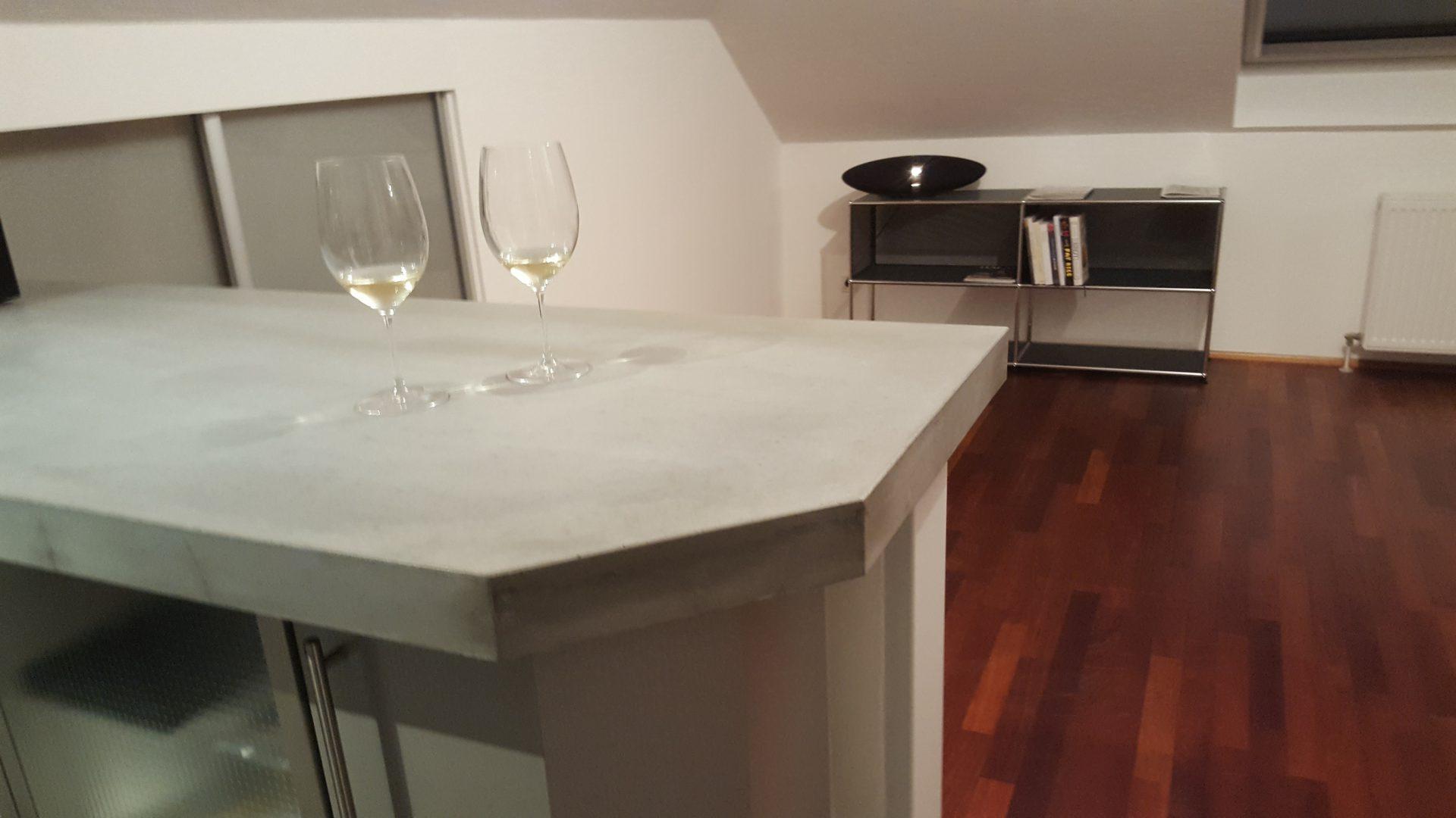 k chentheke mit betonplatte b k design. Black Bedroom Furniture Sets. Home Design Ideas