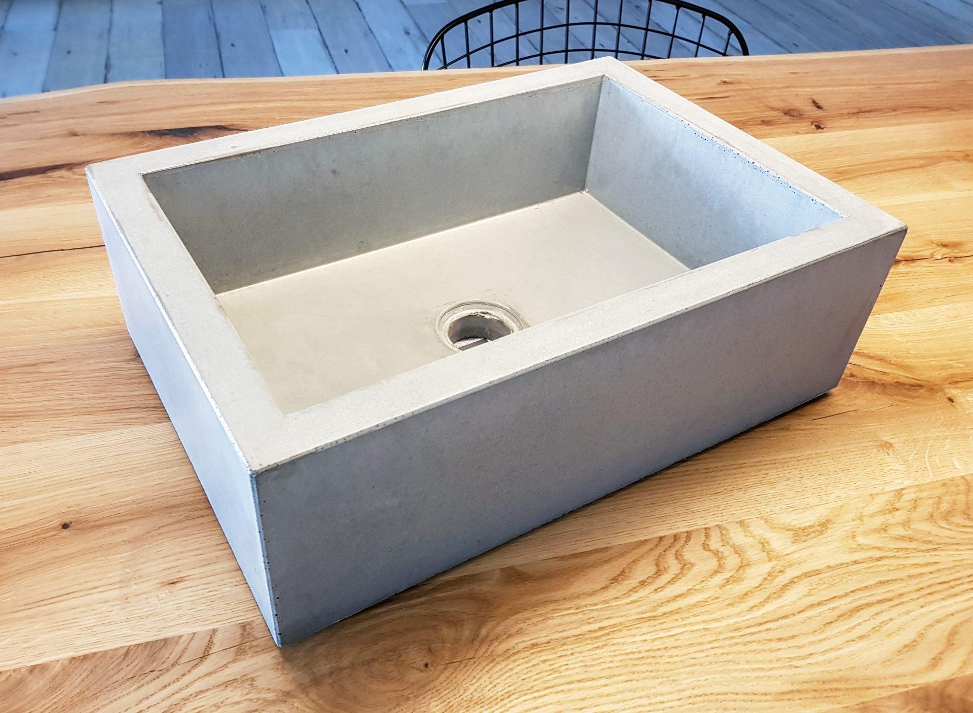 Kleines Betonwaschbecken B K Design
