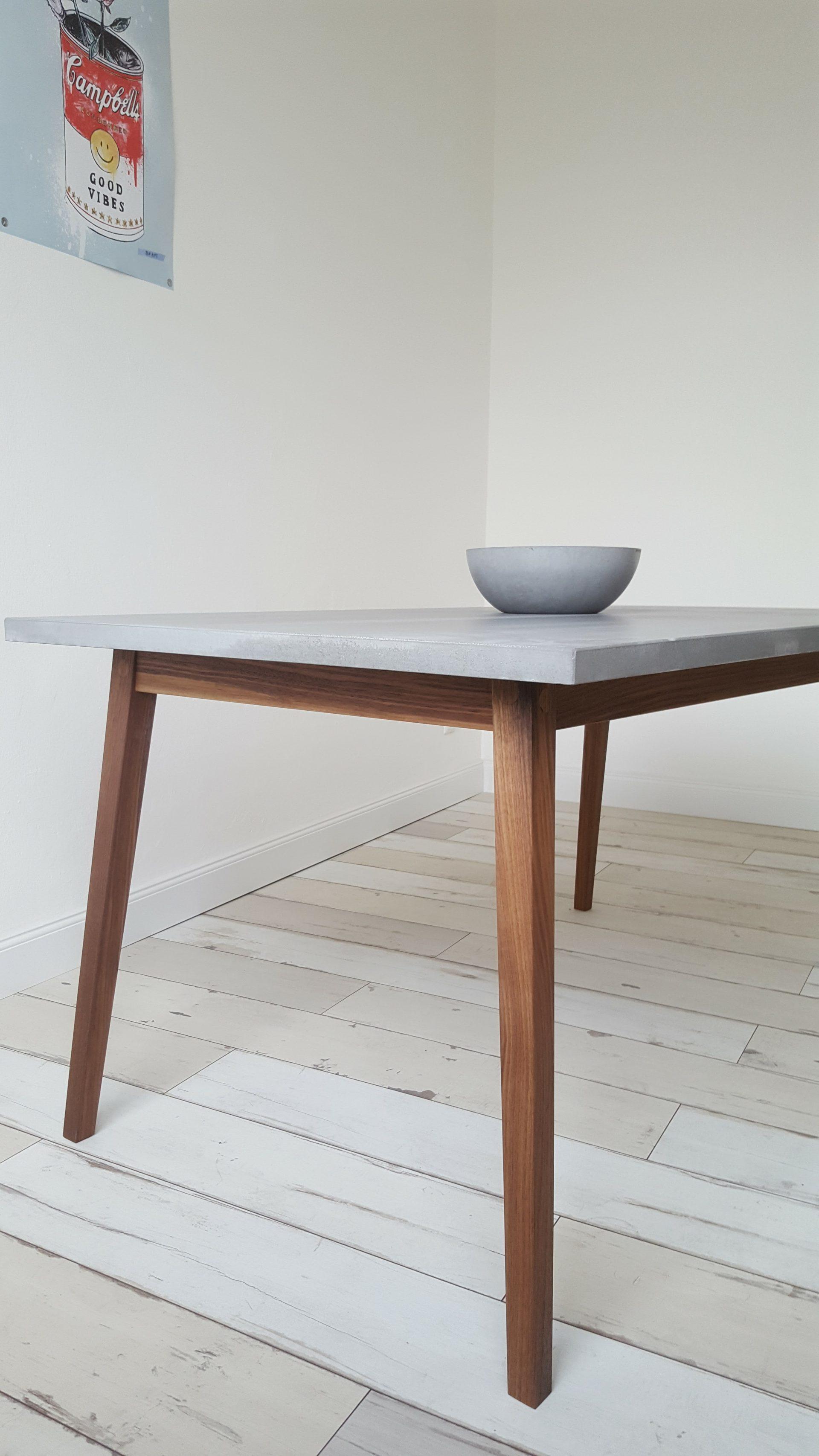 Skandinavischer esstisch aus beton und holz b k design - Gartenbank aus beton und holz ...