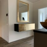 Schwebendes Sideboard in Gold