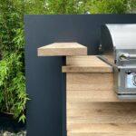 Outdoorküche aus Eiche und Stahl
